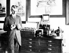 Tesla con valvole termoioniche