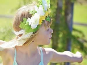 Bambina serena e creativa