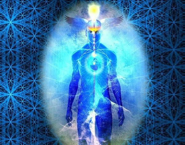 """Reidjen Anselmi nel suo libro Il Corpo di Luce"""" (Ed. Macroedizioni) ci spiega il passaggio dalla Terza alla Quinta Dimensione di Densità Energetica e la trasformazione del corpo umano in Corpo di Luce, la cui attivazione non procede in modo lineare: non si passa cioè dal livello 1 al 2, al 3 e così via, ma si lavora attivando contemporaneamente aspetti di ciascun livello."""