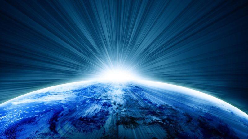 https://i2.wp.com/camminanelsole.com/wp-content/uploads/2019/08/planeta-tierra-rayos-luz-16-9.jpg?ssl=1