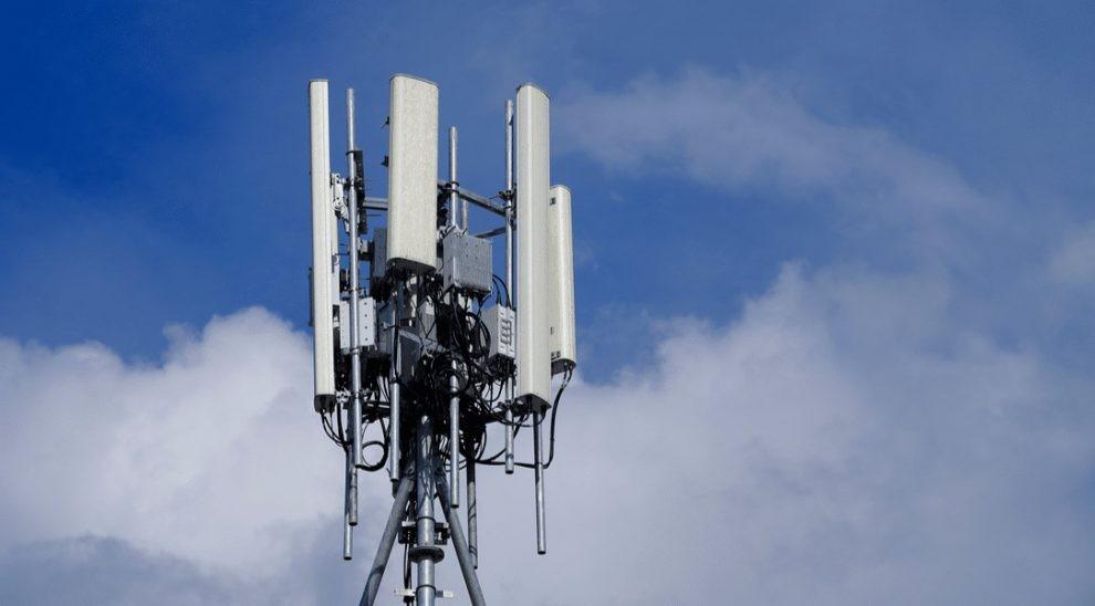 5G, Iliad obbligata a fermare la costruzione di un'altra antenna -