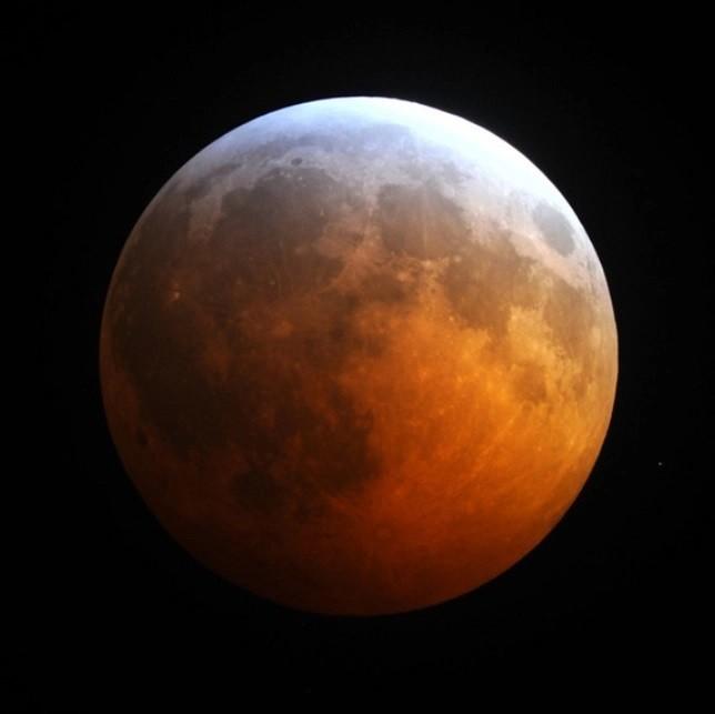 Eclissi penombrale di Luna ed eclissi totale del 2020. Ecco le ...