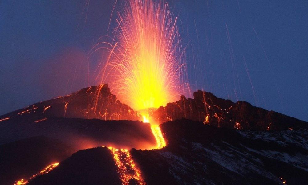 350° dall'eruzione dell'Etna che devastò i centri abitati e giunse in mare