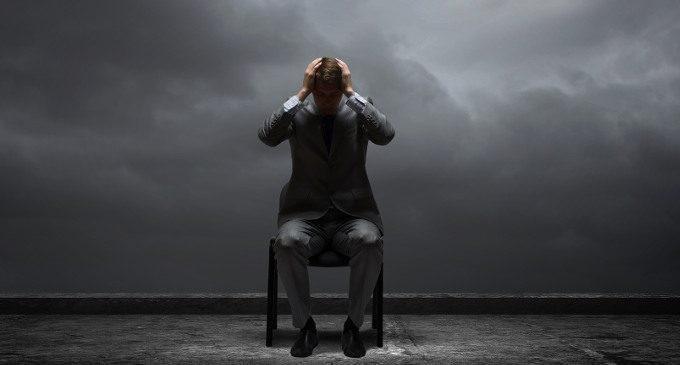https://www.stateofmind.it/wp-content/uploads/2015/02/Fotolia_76161137_La-depressione-e-i-pensieri-negativi-e-pessimisti-su-di-s%C3%A8-e-il-mondo3.jpg