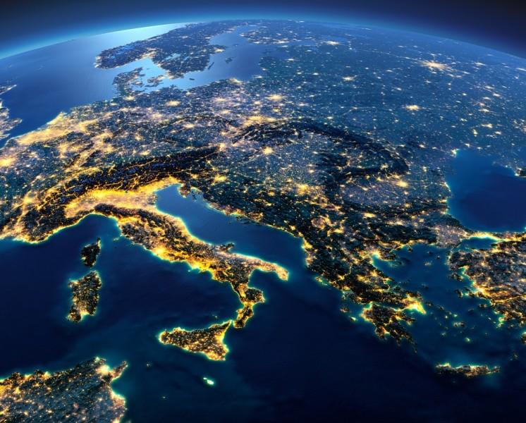 https://cdn.qualenergia.it/wp-content/uploads/2018/07/italia-satellite-europa-est_0.jpg