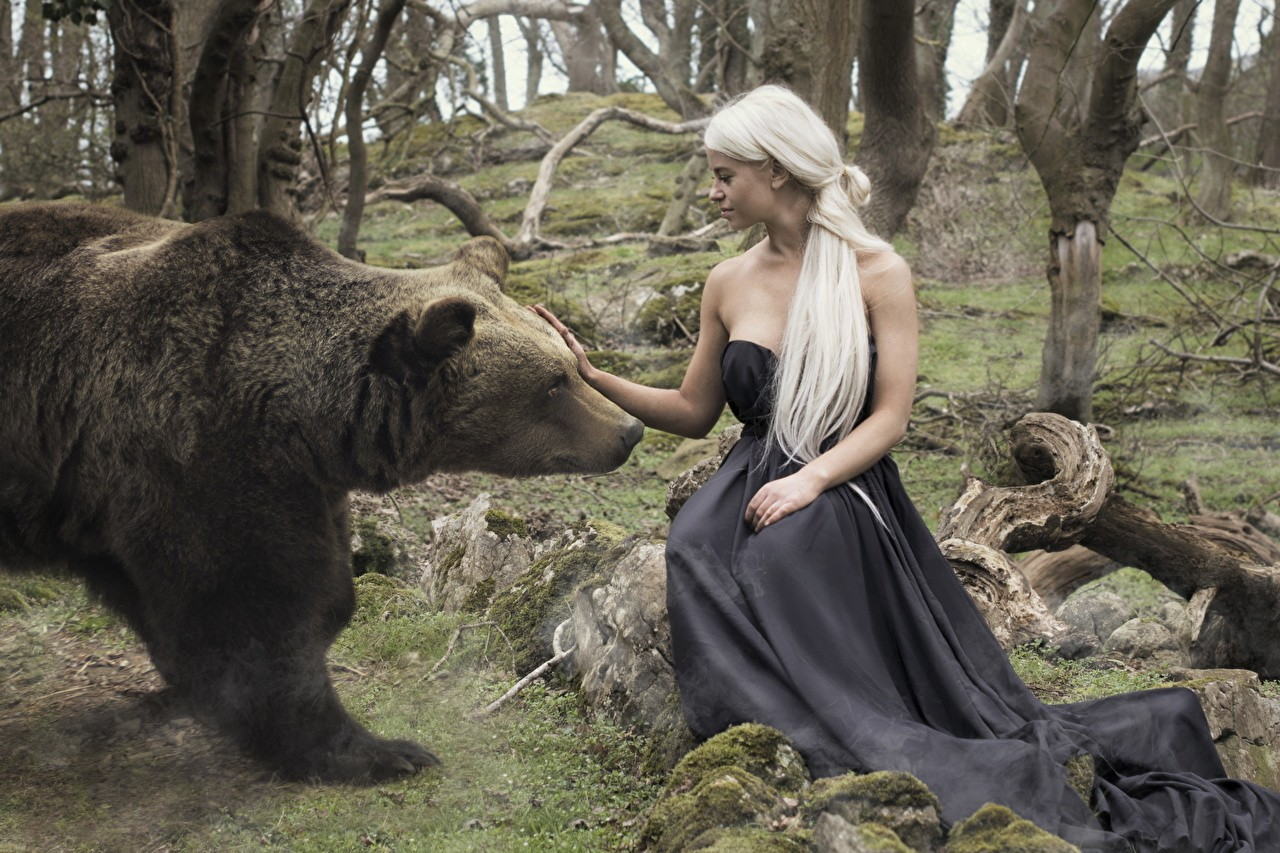 Immagine Orso bruno orso Ragazza bionda Ragazze sedute animale