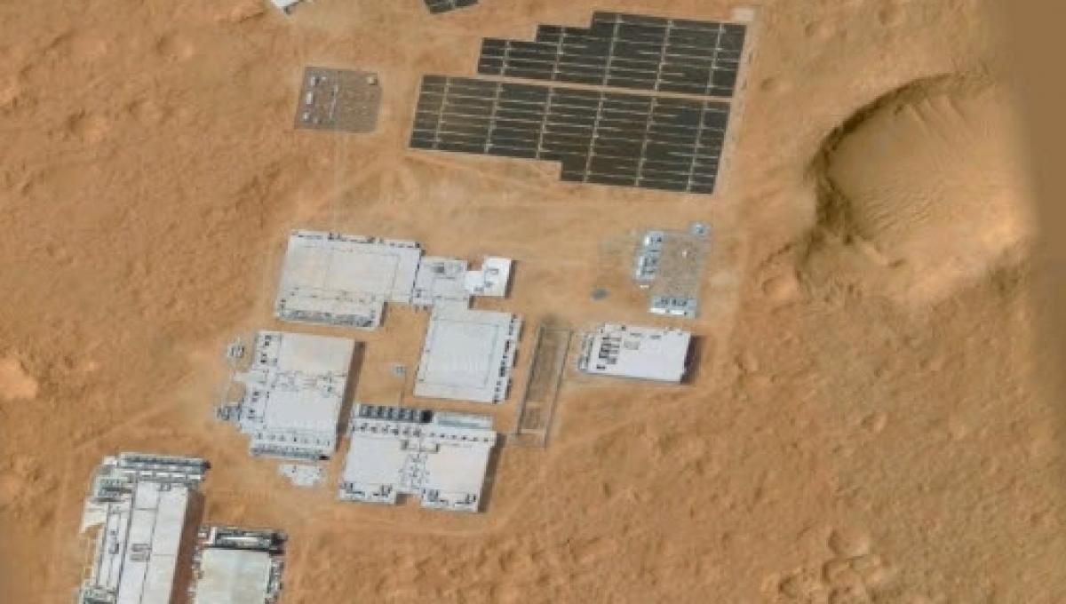 Accampamento umano su Marte visibile da Google Earth