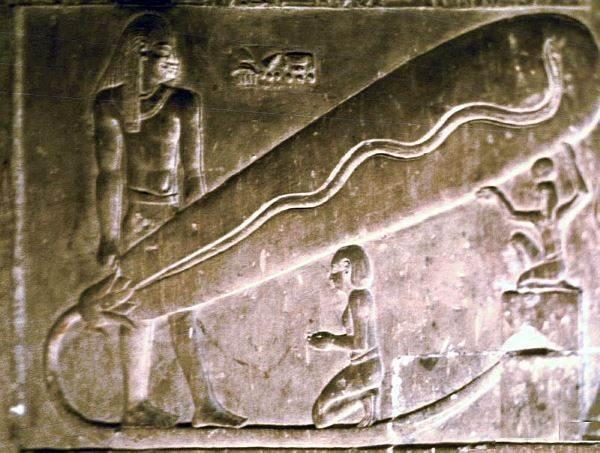 Piramidi. Le centrali elettriche dell'Antico Egitto e la tecnologia di Nikola Tesla